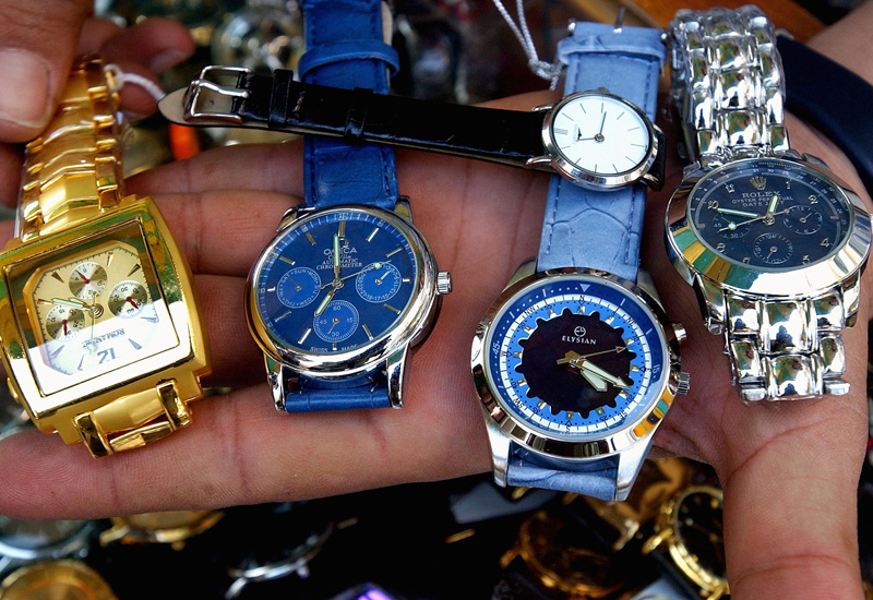 counterfeit-watches-72500630.jpg