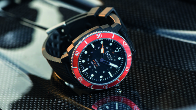 Alpina_Seastrong Horological Smartwatch