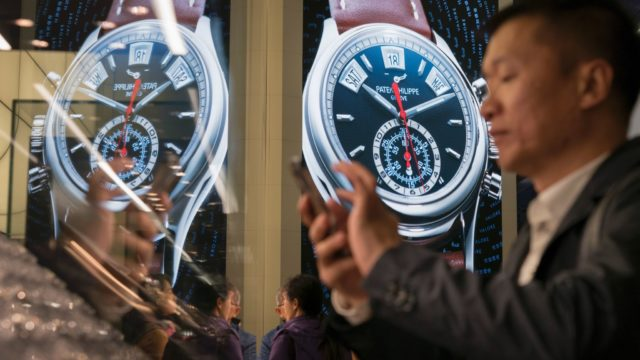 Luxury watch sales are booming in the UK, particularly to affluent visitors to the country. / AFP PHOTO / Fabrice COFFRINI        (Photo credit should read FABRICE COFFRINI/AFP/Getty Images)