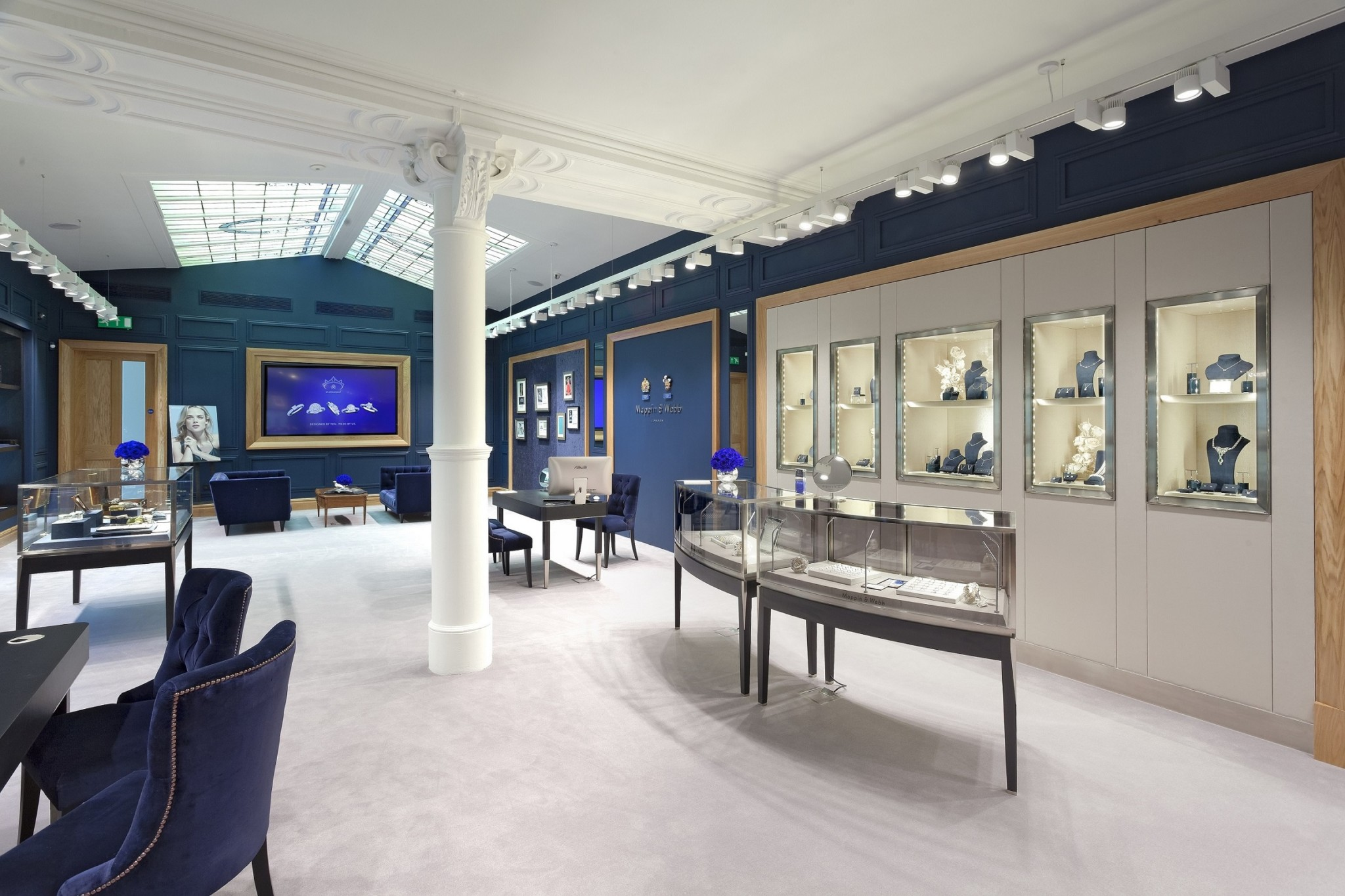 The Mappin & Webb showroom in Glasgow - upper floor (2)