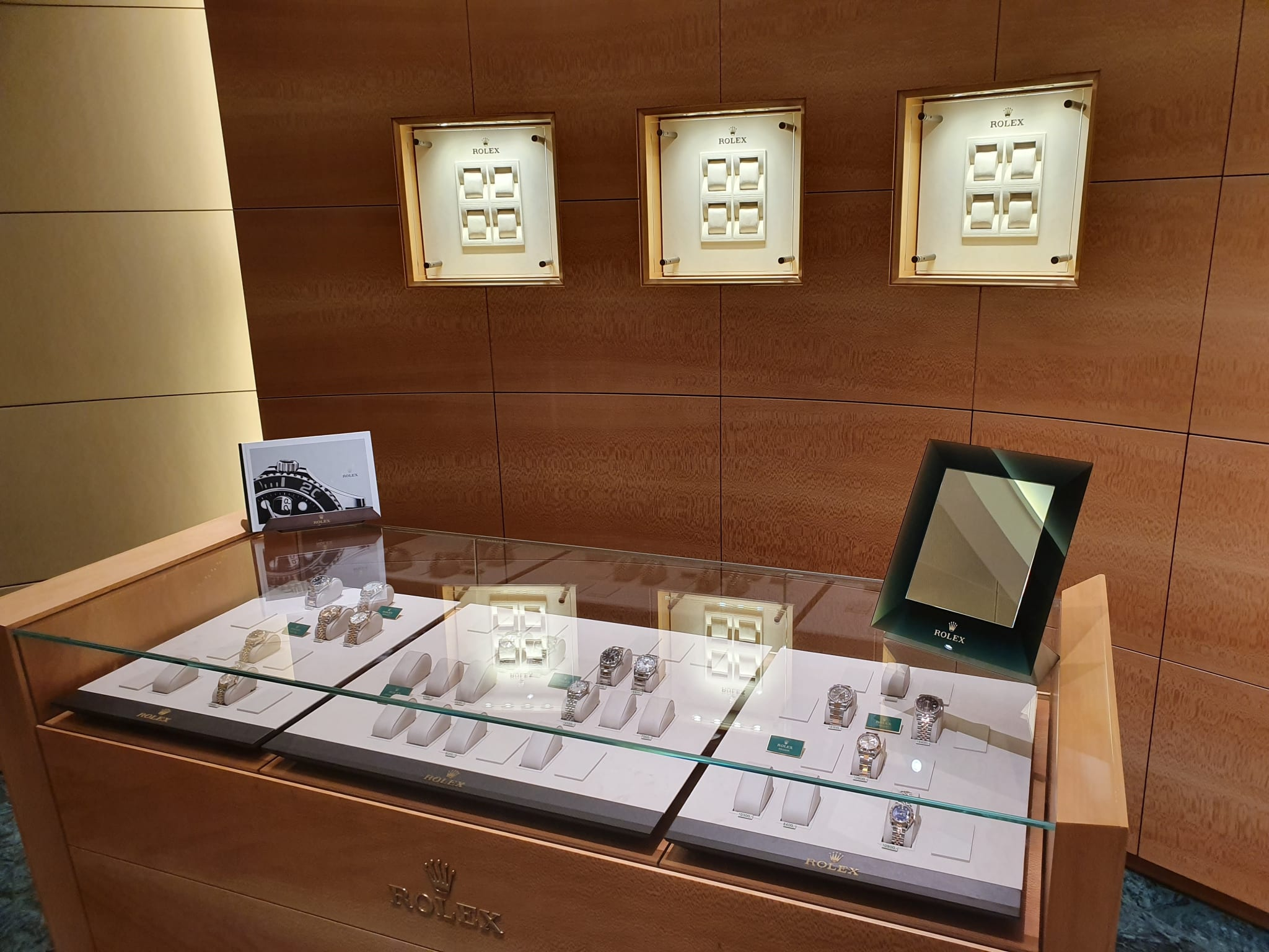Rolex empty cabinets